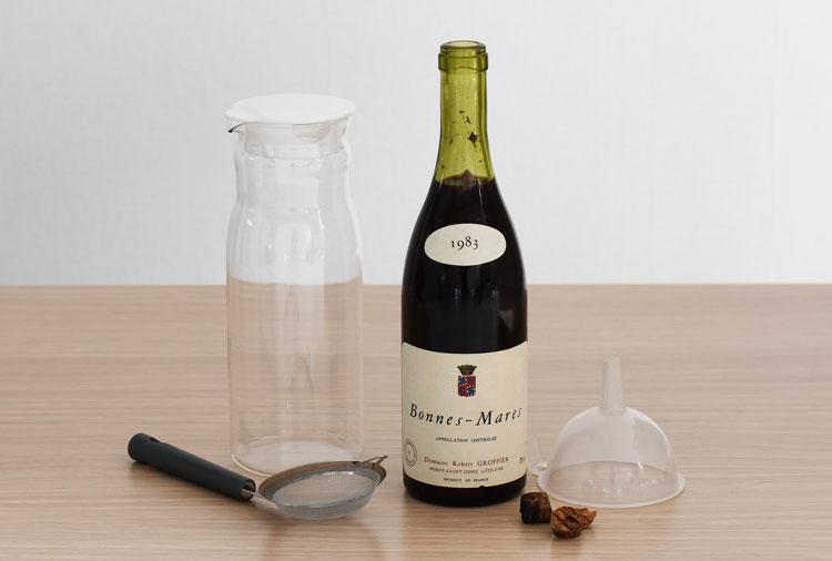 コルクがボトルの中に落ちたときの対処法 用意するもの
