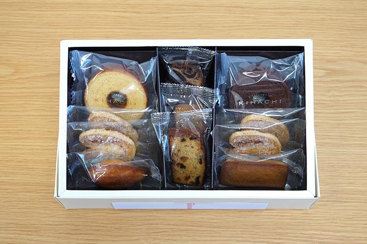 パティスリーキハチ「焼菓子ギフト 8種11個入り」